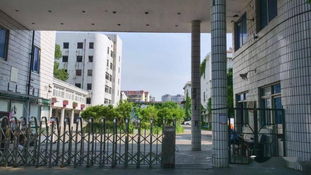 原南汇中心医院大门口